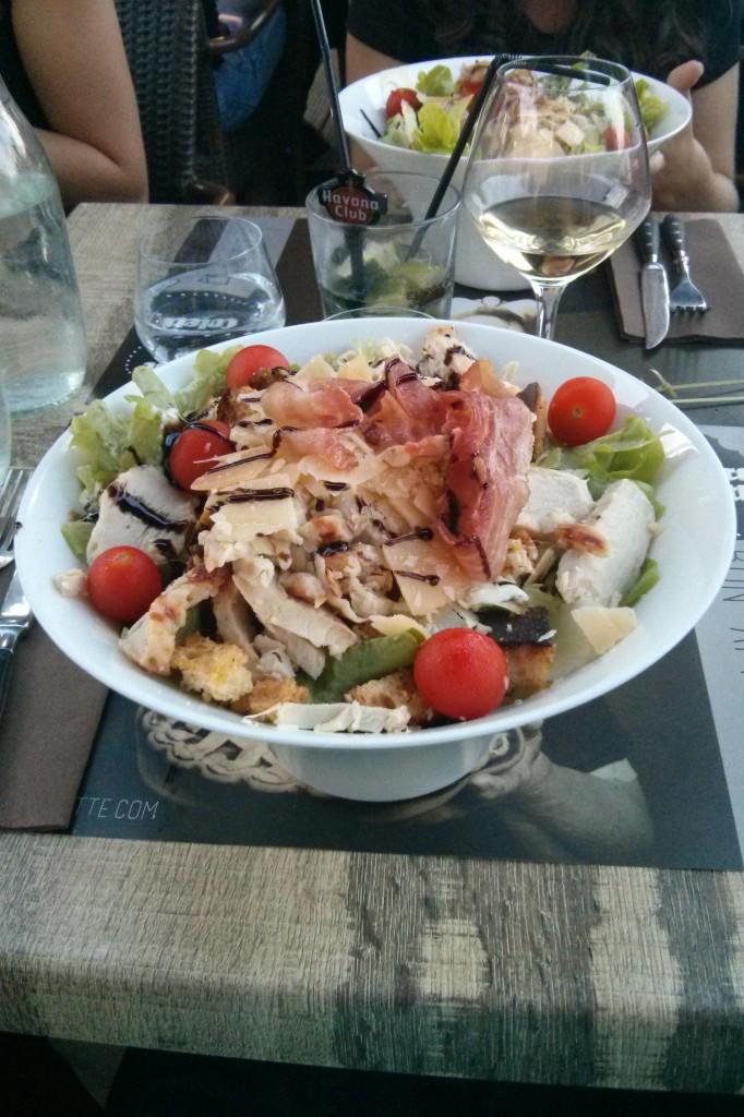 Ne pas arriver à finir sa salade Caesar !