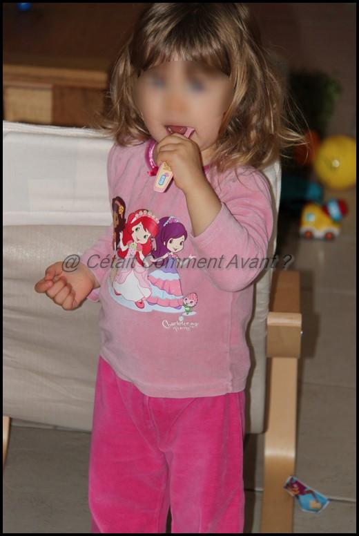 Etre une jolie princesse qui se lave les dents