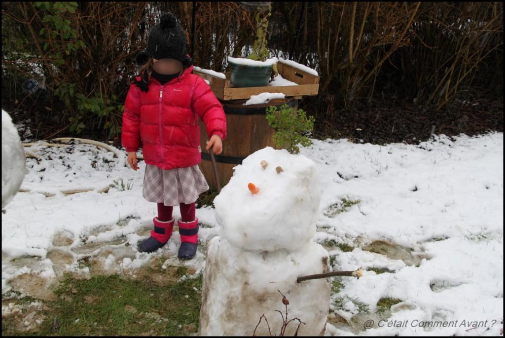 Tenir la main de son bonhomme de neige