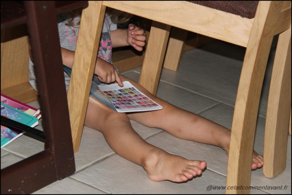 Lire sous la table...