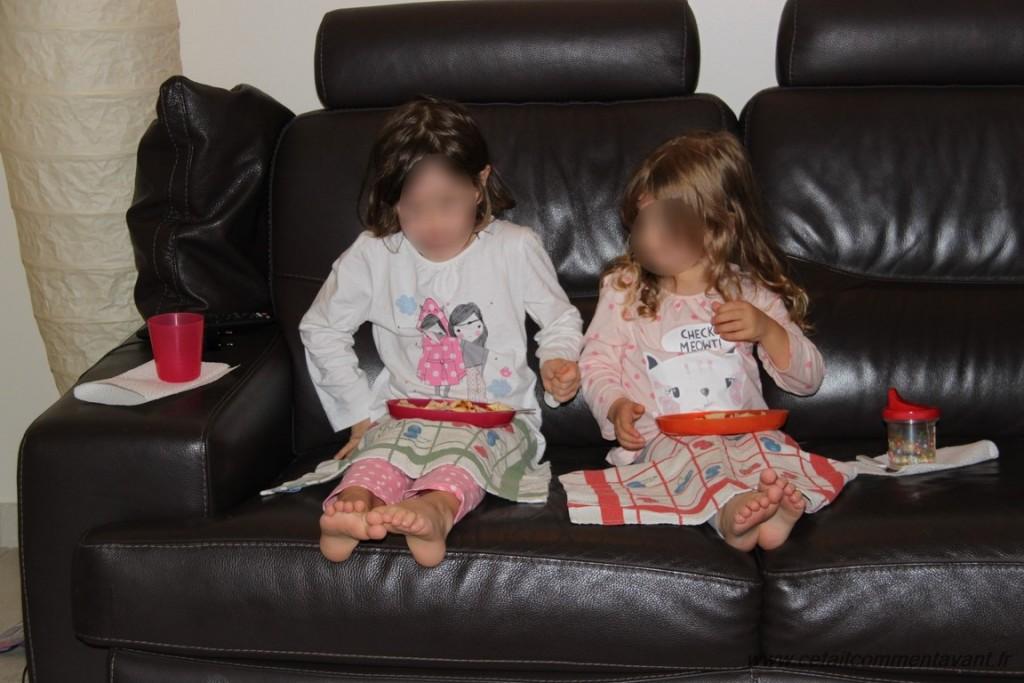 Manger des crêpes devant la télé #MamanLâcheDuLest