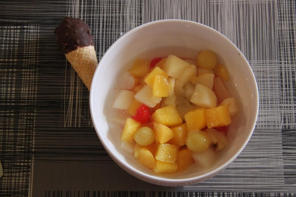 Etre à court de fruits, improviser un dessert et avoir peu de succès (sauf pour la glace!)