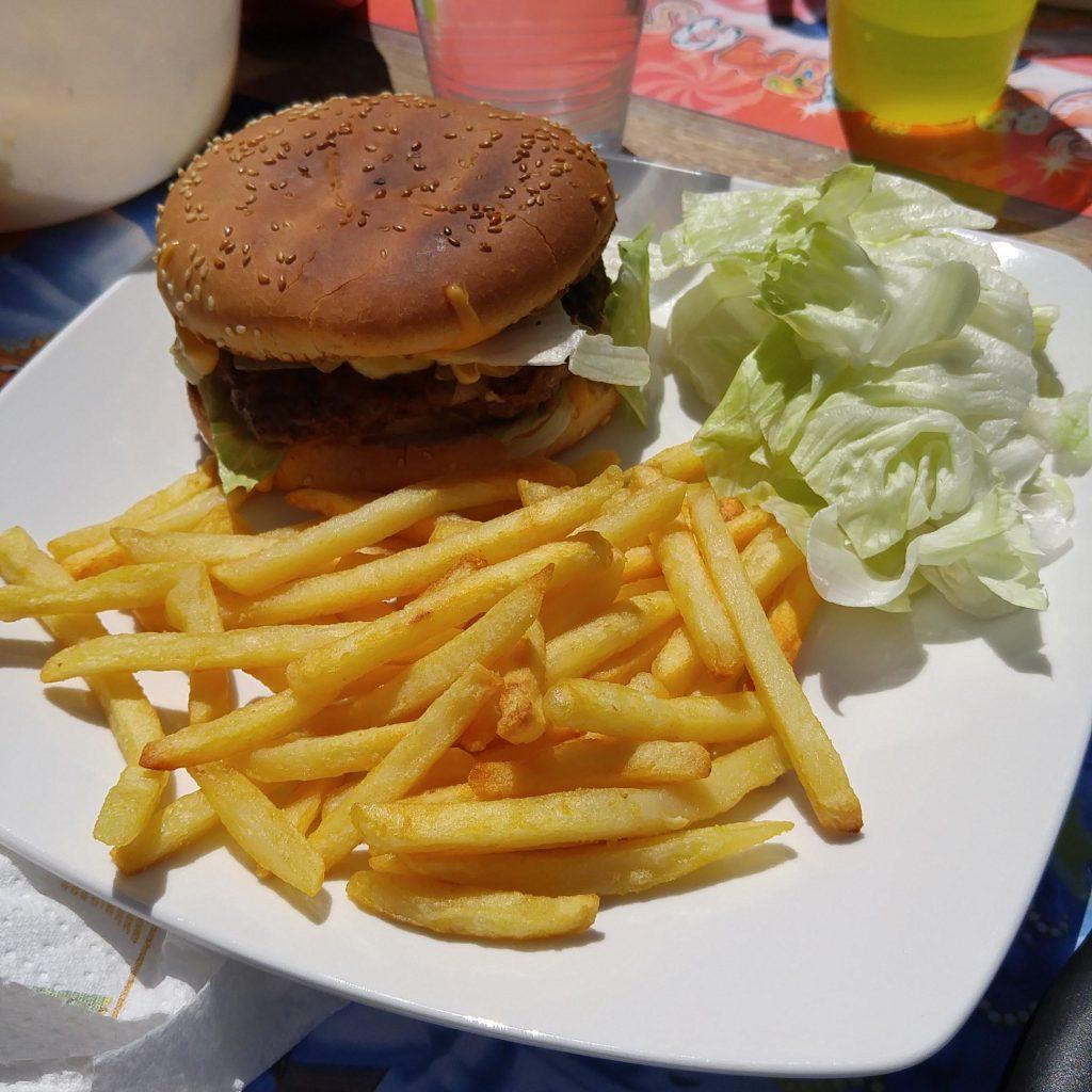 Déjeuner gras pour le premier repas dehors !