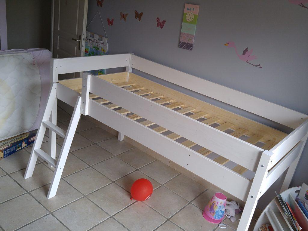 Montage du nouveau lit de Melle Pikotine