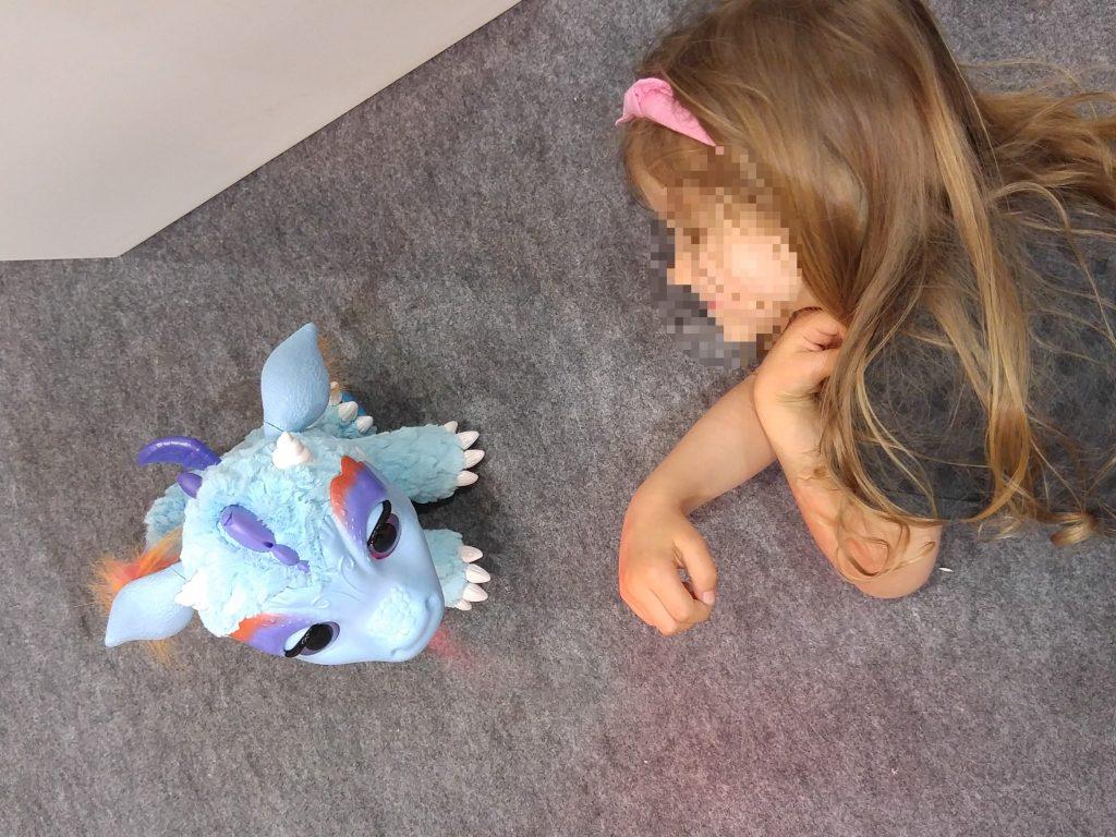 The coup de coeur de Melle Pikotette : le dragon cracheur de feu interactif de Hasbro qui succède à la licorne